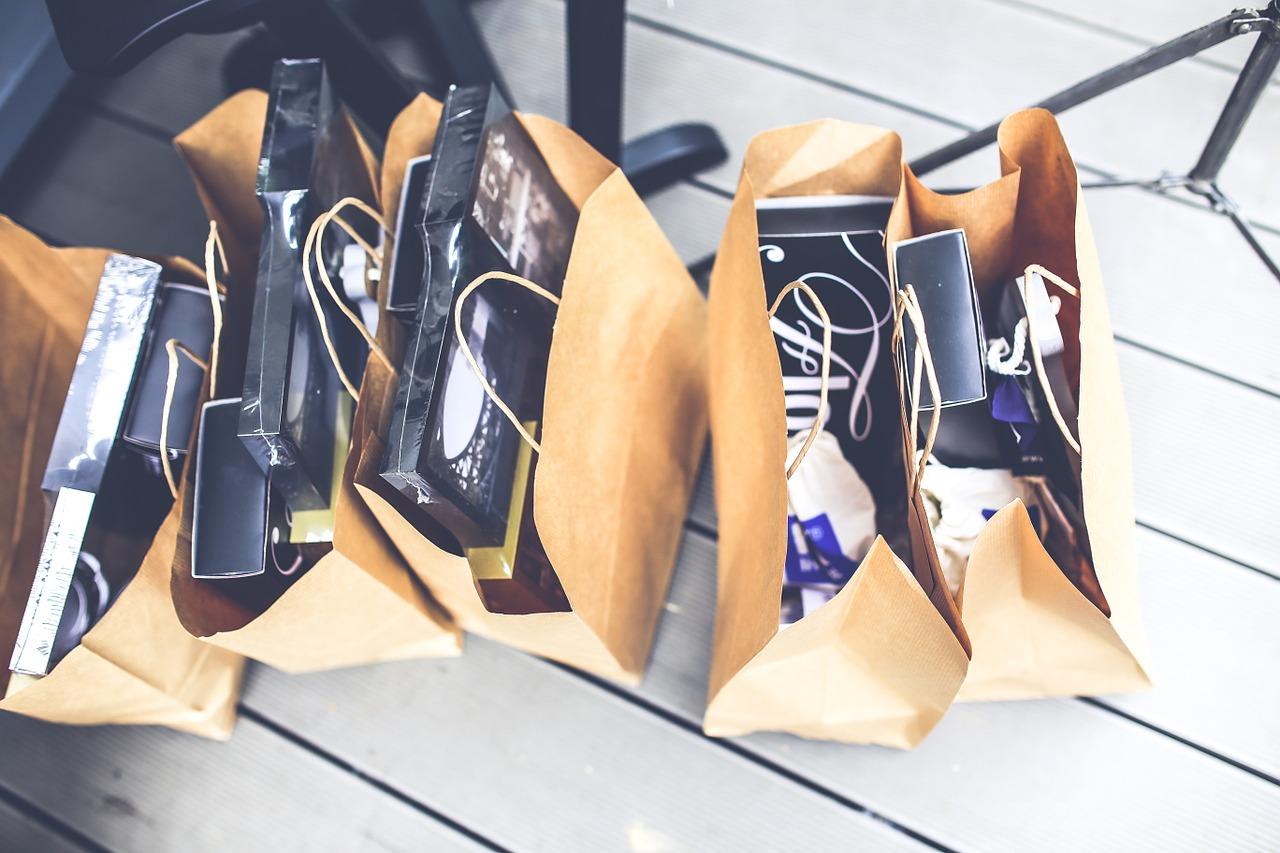 ショップ紙袋は、HEIKOそれともパッケージ通販?